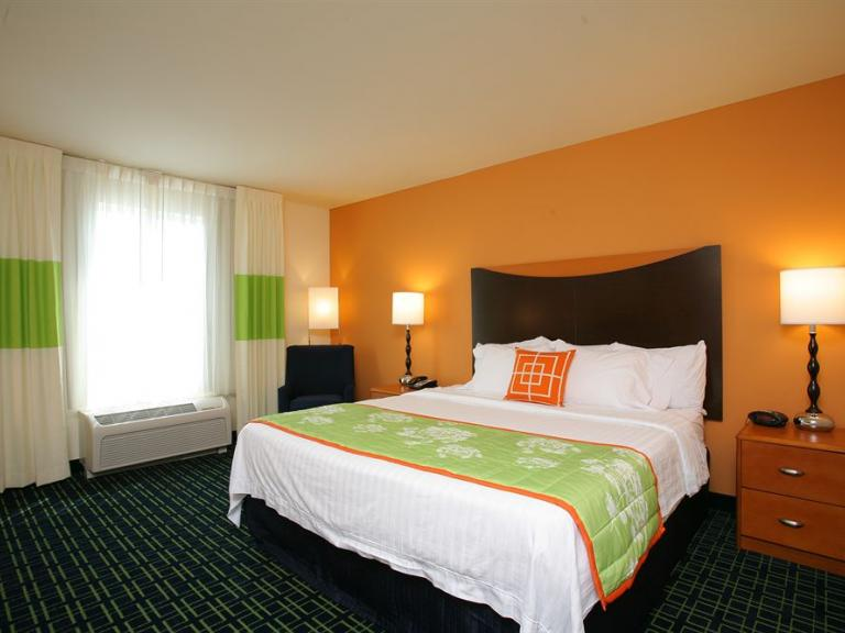 A room at the Fairfield Inn & Suites by Marriott Titusville/Kennedy Space Center