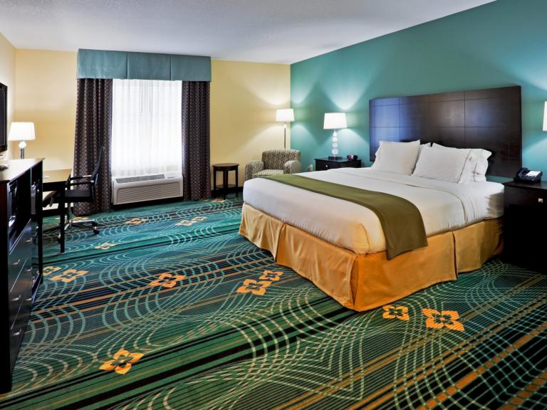 A room at the Holiday Inn Express & Suites Palm Bay