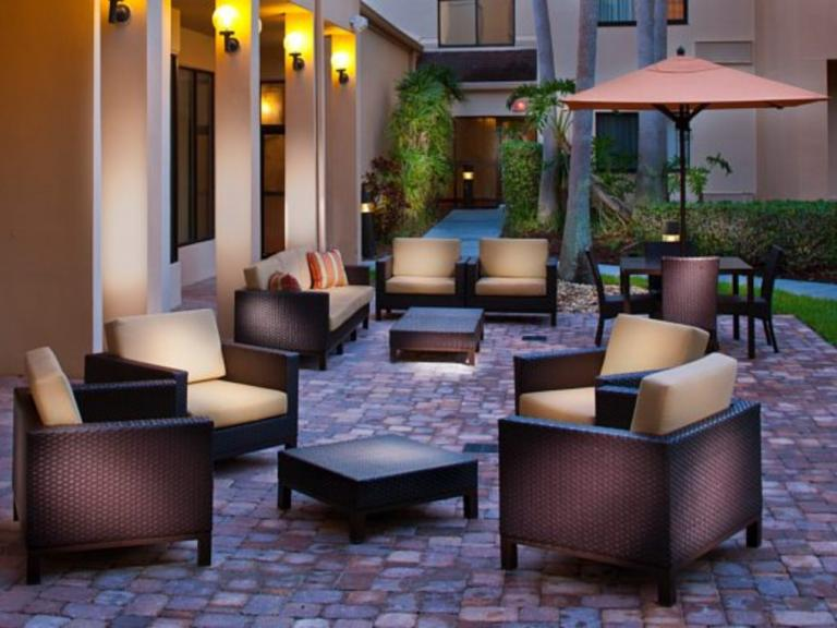 An outdoor patio at the Courtyard by Marriott Melbourne West