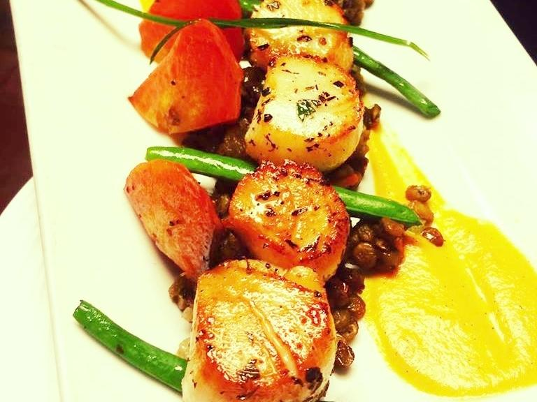 Fresh scallops at the Nomad Café in Melbourne, FL