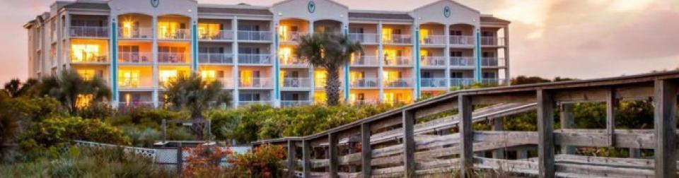 Holiday Inn Club Vacations Cape Canaveral Beach Resort Evening Exterior