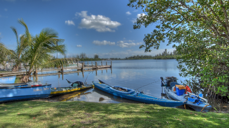 Honest John's Fish Camp kayak rentals