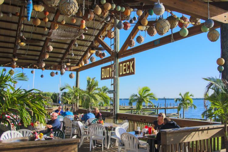 Top 5 Lunch Spots on the Space Coast blog post